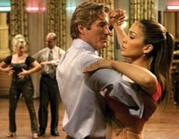 John Clark (Richard Gere) and Paulina (Jennifer Lopez) in dance class