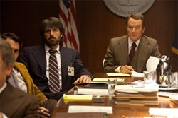 Mendez and Jack O'Donnell (Bryan Cranston) in the briefing room
