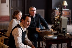 Patrick Wilson, Vera Farmiga, and Steve Coulter in The Conjuring