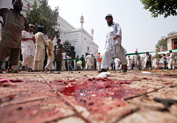 Sunday Suicide Bombers Kill More Than 80 at Symbolic Pakistan Church