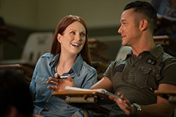Joseph Gordon-Levitt and Julianne Moore in Don Jon