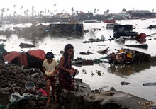 Witness Walks 'Endless Path of Misery' Left by Super Typhoon Haiyan