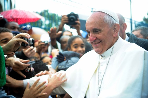 Five Things Evangelicals Will Cheer in Pope Francis' Plan to Change the Catholic Church