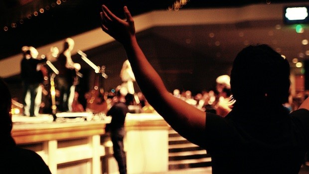What Should Worship Look Like? 3 Questions to Ask When Planning a Worship Service