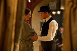 Marion Cotillard and Jeremy Renner in 'The Immigrant'