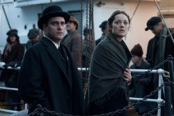 Joaquin Phoenix and Marion Cotillard in 'The Immigrant'