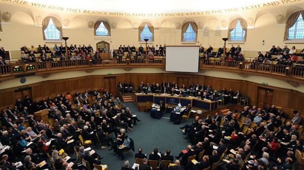 Church of England Set to Ordain Female Bishops