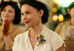 Ashley Judd in 'The Identical'