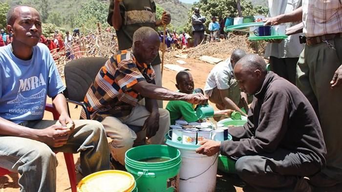 Tanzanians Throng to Miracle Cure