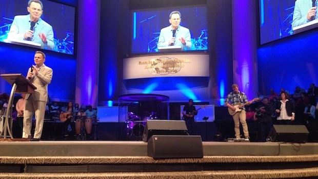 Sunday Journeys: Cross Church in NW Arkansas, with Ronnie Floyd