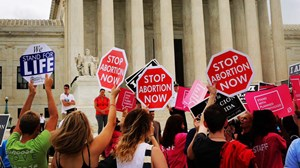 Supreme Court: Texas Can't Keep Women from Abortion Clinics