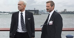Tom Hanks and Aaron Eckhart in 'Sully'