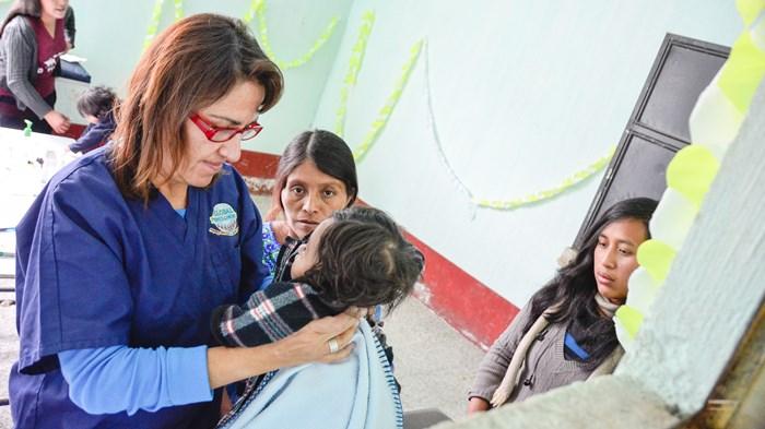 Cuidar por la salud del niño globalmente