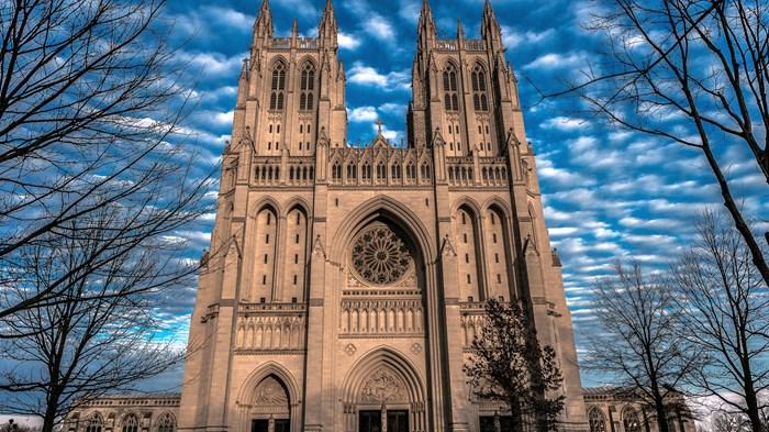 Trump Stacks Prayer Service Lineup with Evangelicals