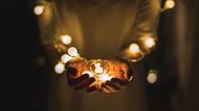 El llamado del clarín a ser luz