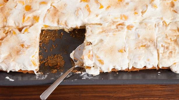 Teens Mistakenly Steal Cardboard Cake