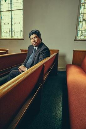 """William Rodriguez, pastor en Los Ángeles, cree que los inmigrantes latinos están despertando a las misiones. """"Podemos dar. Podemos hacerlo nosotros mismos"""", dijo."""