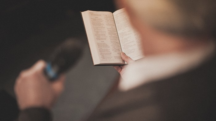 Should Pastors Address Current Events in Their Sermons?