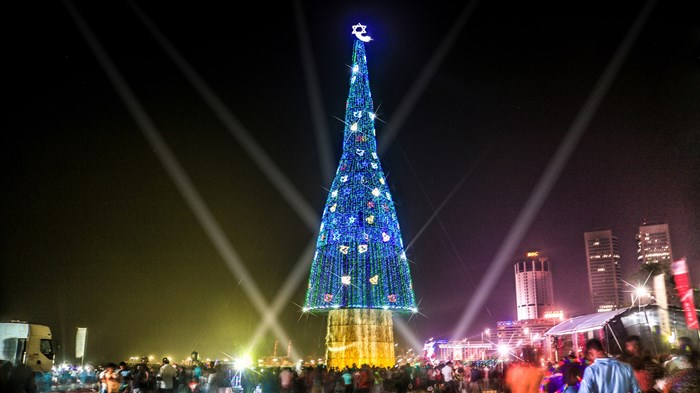 The World's Biggest Christmas Tree Hasn't Helped Sri Lankan Christians