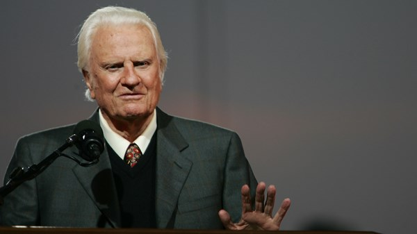 Here's How America Is Praising Its Best-Known Preacher: Billy Graham