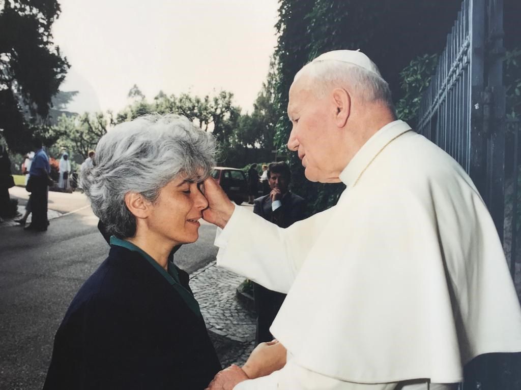 Jocelyne Khoueiry and Pope John Paul II