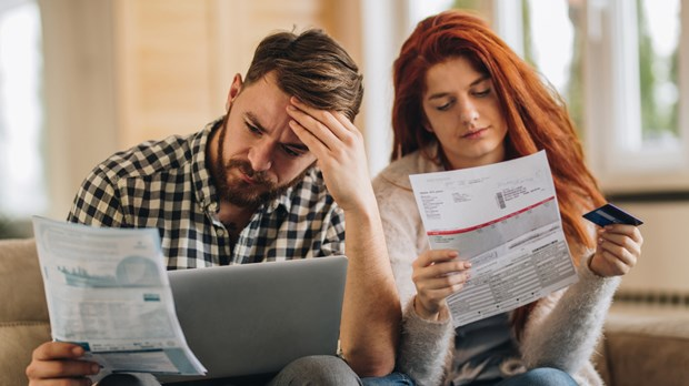 How to Avoid the Dangers of Debt