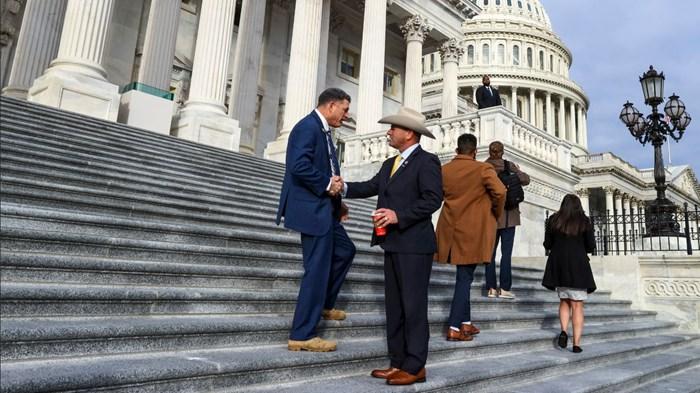 Evangelicals in Congress Prefer Generic Labels
