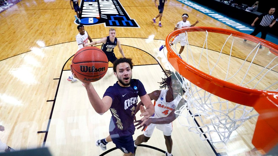 ORU Basketball Fans Know to 'Expect a Miracle'