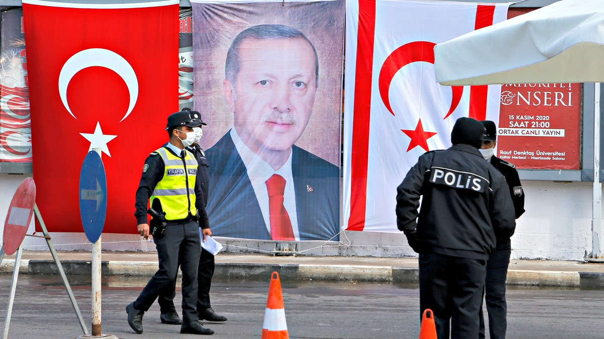 Bibles Get American Pastor Tangled Up in Turkish Politics