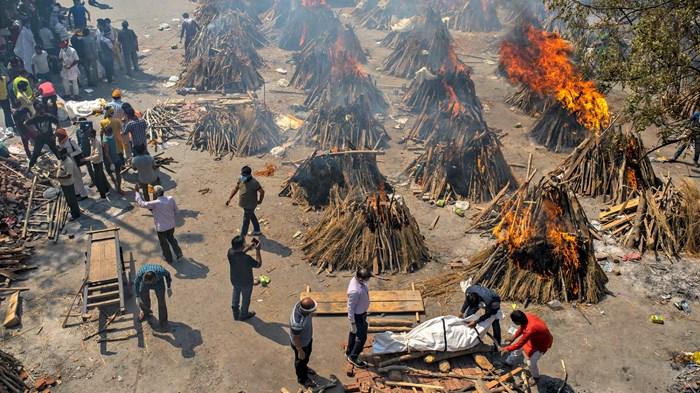 Umat Kristen India Memohon Dukungan Doa Karena Wabah Virus Membanjiri Krematorium