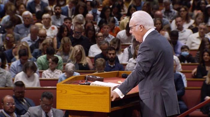 John MacArthur's Church to Receive $800K COVID-19 Settlement