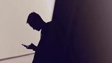 Las Biblias digitales ayudan a los hombres a leer más, pero a retener menos