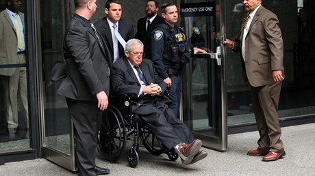 Dennis Hastert, Once an Evangelical Republican Leader, Settles Sex-Abuse Suit