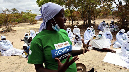 Vaccine Campaign at Zimbabwe Churches Praises What's Done in Secret