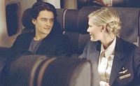 Drew (Orlando Bloom) meets flight attendant Claire (Kirsten Dunst) on the way to Kentucky