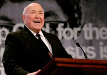 Chuck Smith, 86, Dies After Cancer Battle