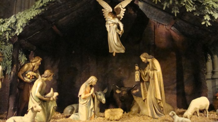 why jesus doesnt belong in christmas dcor