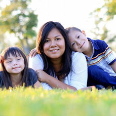 Photo of Alicia and her two children by photo style