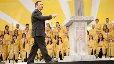 Mark Driscoll Addresses Crude Comments Made Trolling as 'William Wallace II'