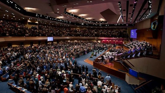 House Church Critiques of the Megachurch: 3 Ways to Make it Better