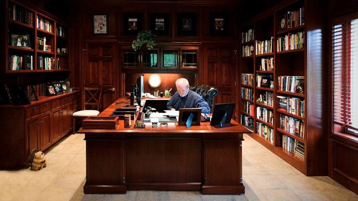 Jerry B. Jenkins Shuts Down Christian Writers Guild