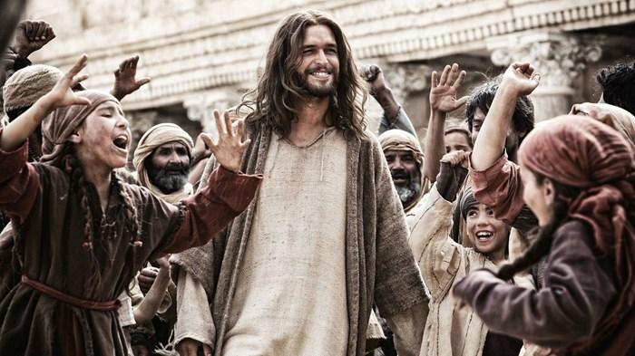 The Streaming Roundup: 'Goldfinger,' 'Son of God,' and 'Stuart Little 2'