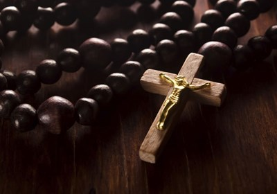 Is It Okay to Wear a Crucifix? | Ignite Your Faith