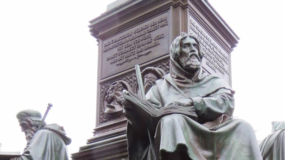 El Papa pide perdón a los 'primeros evangélicos' por la persecución