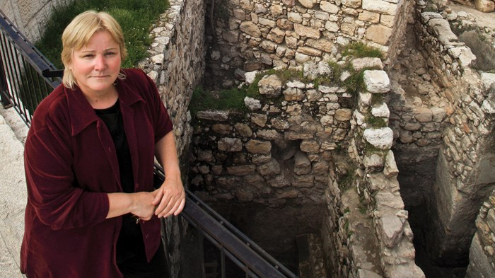 Archaeology's Rebel: Bible in One Hand, Spade in the Other