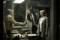 Robert De Niro, Bradley Cooper, and Jennifer Lawrence in 'Joy'