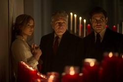 Jennifer Lawrence, Robert De Niro, and Edgar Ramirez in 'Joy'