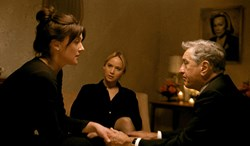 Elisabeth Rohm, Jennifer Lawrence, and Robert De Niro in 'Joy'