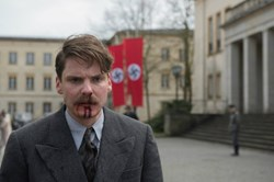 Daniel Brühl in 'Alone in Berlin'