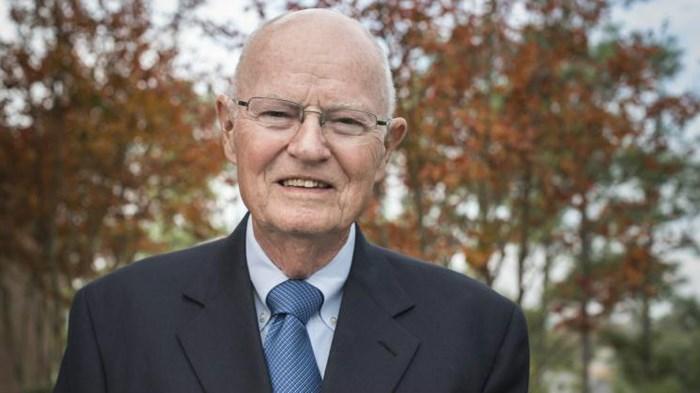 Died: Robertson McQuilkin, College President Praised for Alzheimer's Resignation